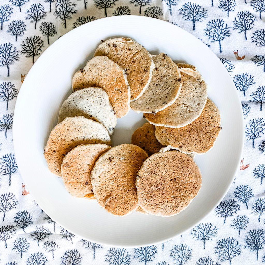 vegucated cornmeal oat pancakes